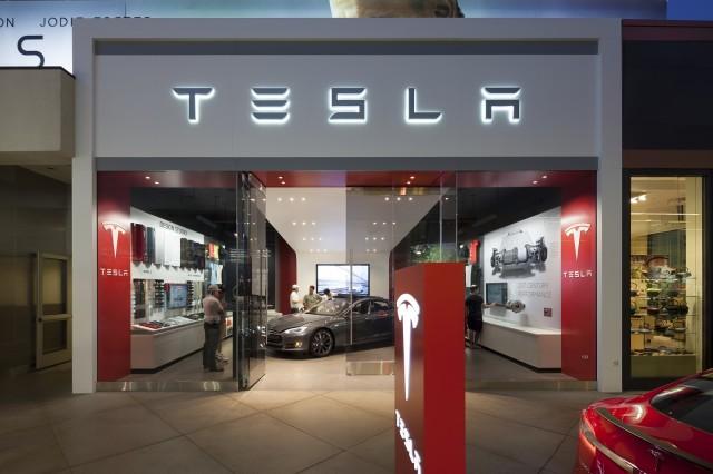 Elon Musk announces Tesla plans for SouthAfrica