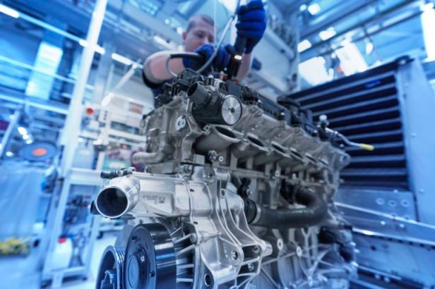 BMW-S58-engine-03-768x512