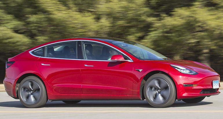 CR-Cars-Inline-2018-Tesla-Model-3-ATC-driving-2-18