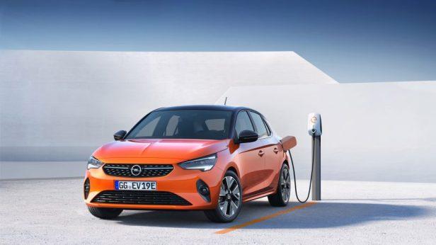 Opel-Corsa-e-Charging-506890-888x500