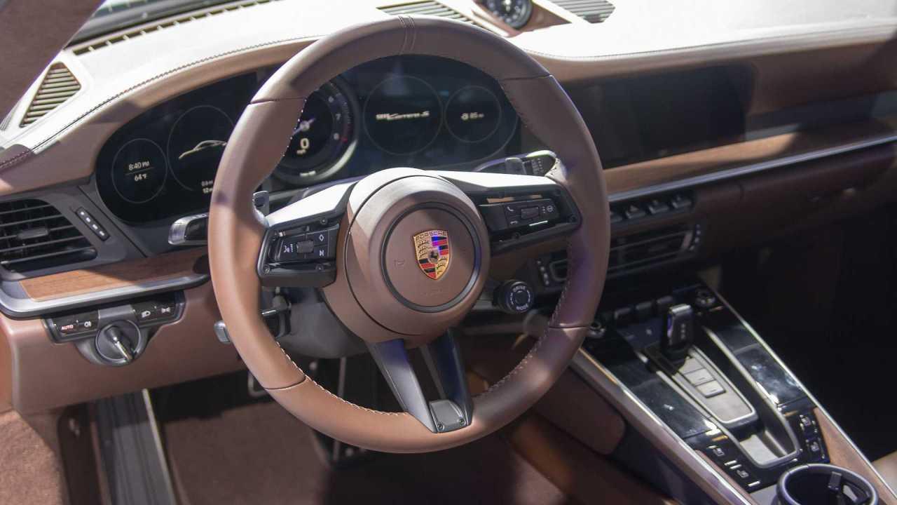 2020-porsche-911-carrera-s-2