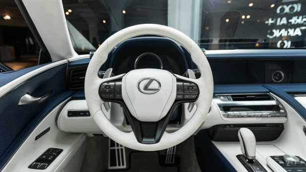 lexus-lc-500-convertible-live-images