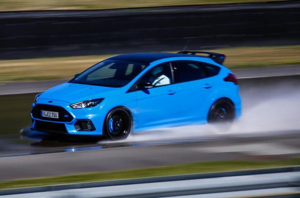 ford-focus-rs-option-pack