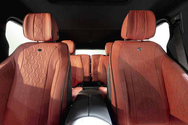 A3 - Nr 2705 HOFELE HG-Sport, 6-Seater in 3 rows