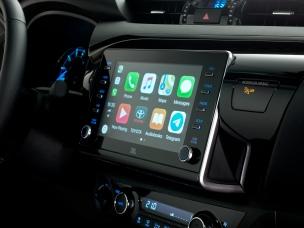 HILUX-interior-display