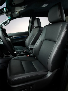 HILUX-interior-Front-seats