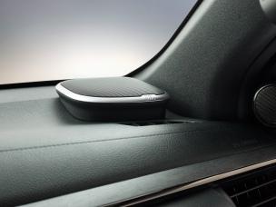 HILUX-interior-Speaker-window