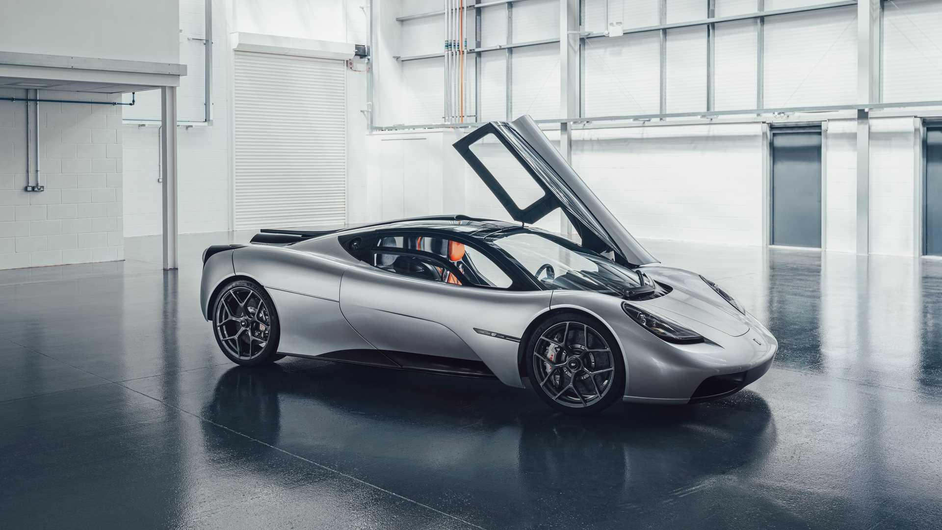 gordon-murray-automotive-t.50-front-three-quarters-door-up