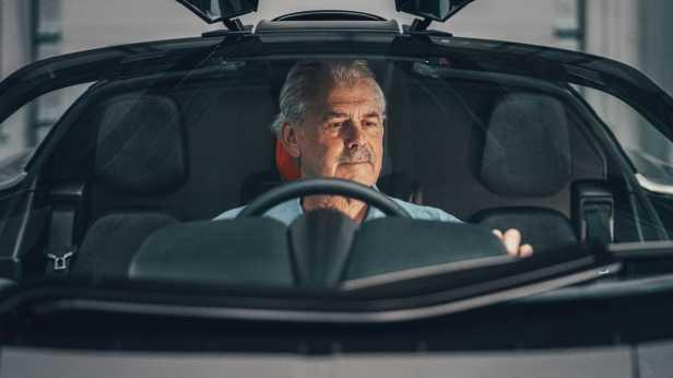 gordon-murray-automotive-t.50-gordon-murray-behind-wheel