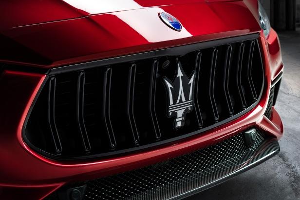 Large-16754-MaseratiGhibliTrofeo