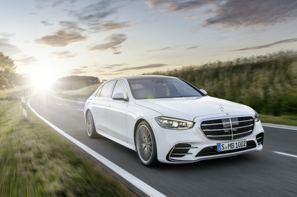 The New Mercedes Benz S-Class Unveiled, More Advanced ThanEver